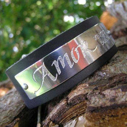 http://www.kalligrafi.com/px/slider-smycken-01.jpg