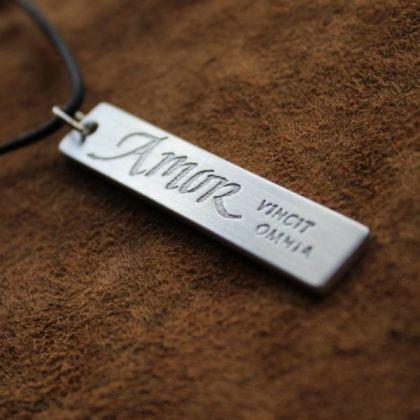 http://www.kalligrafi.com/px/slider-smycken-03.jpg